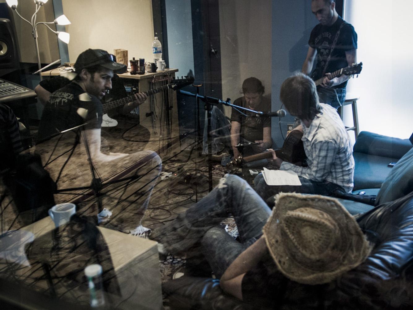 Naive-studio